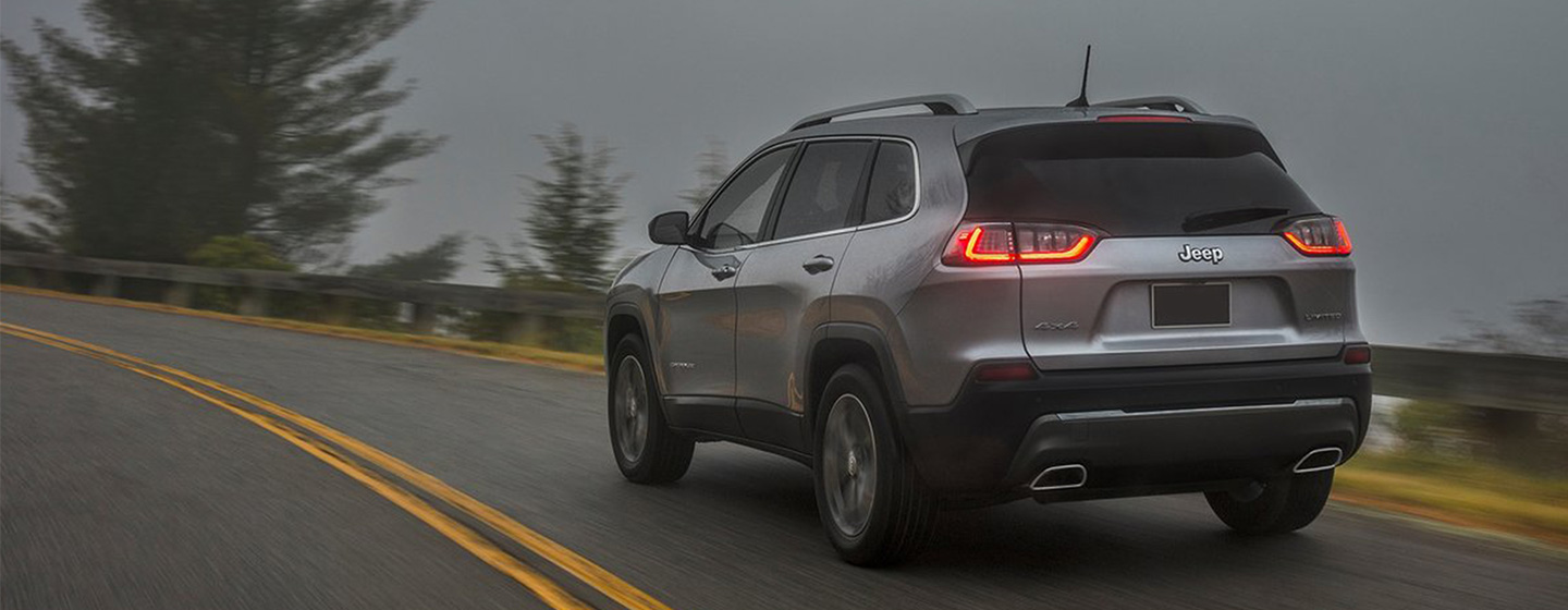 2019 Jeep Cherokee Exterior -  Driving in Wet Weather