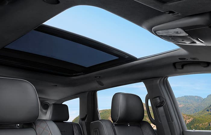 2020 Jeep Grand Cherokee sun roof