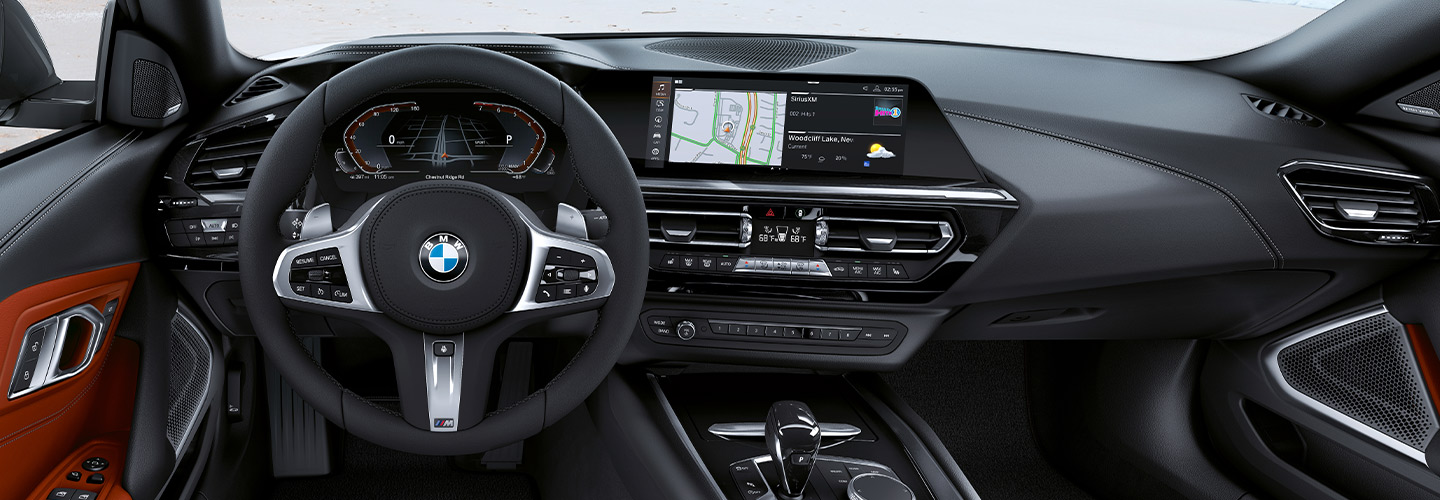 Interior and technology features of the 2020 BMW Z4 available at Vista BMW Pompano Beach