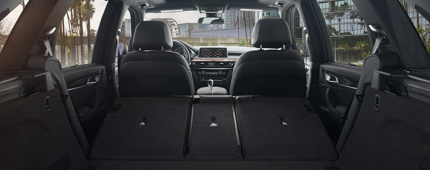 Interior space of the 2018 BMW X5