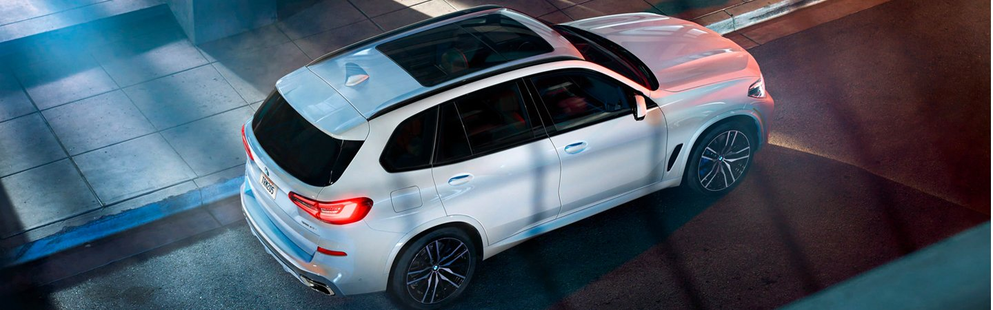 Aerial view of the 2020 BMW X5 in motion