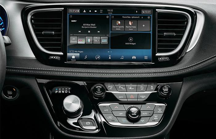Centerview of the 2021 Pacifica controls and display