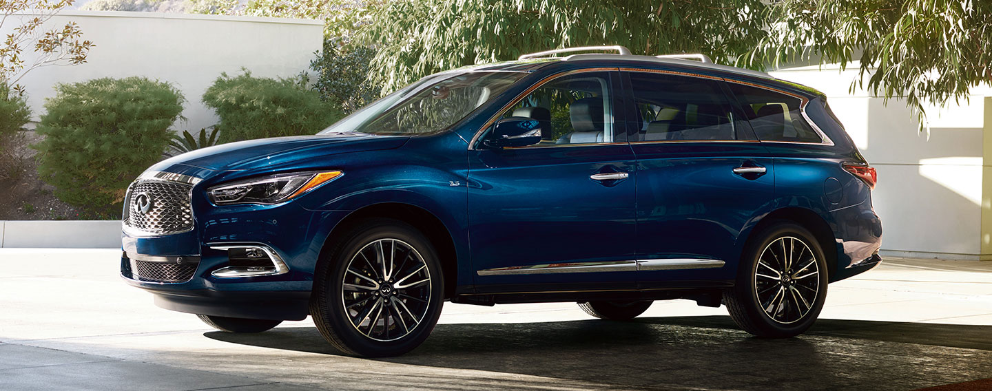 2019 INFINITI QX60 Exterior - Parked on the road