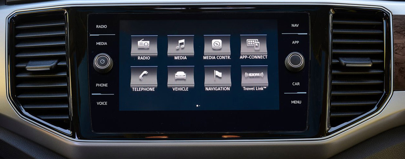 Dashboard touchscreen of the 2018 Volkswagen Atlas