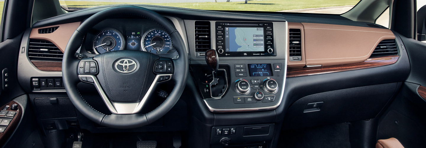 Interior and technology features of the 2020 Toyota Sienna available at Rivertown Toyota