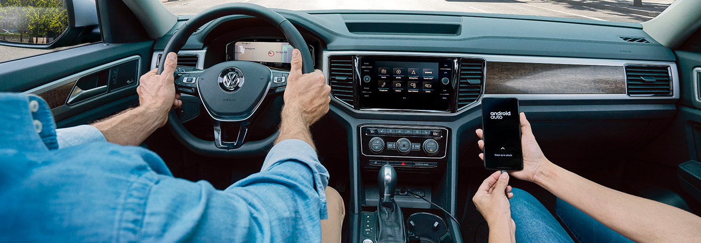 Drivers side perspective of the 2019 Volkswagen Atlas in Gainesville, FL