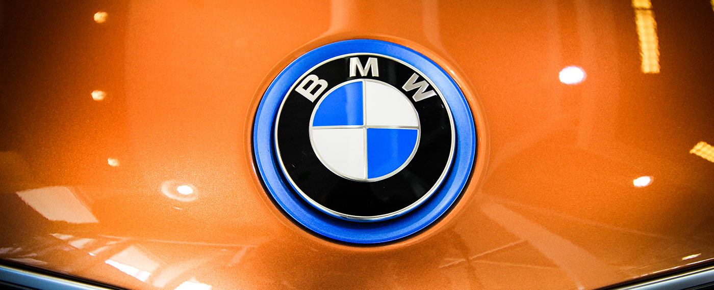 BMW i8 hood badge at South Motors BMW in Miami