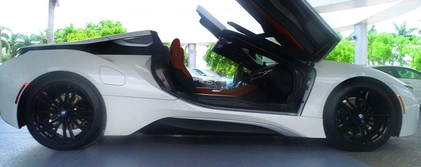 Right side of the 2019 BMW i8 wing doors opened