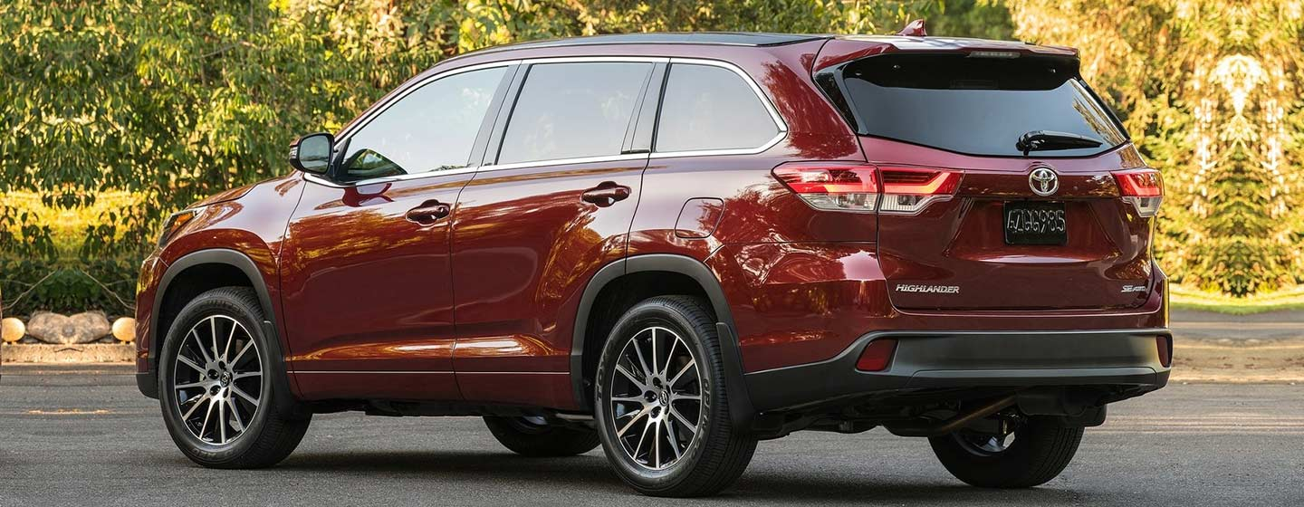 2019 Highlander rear view parked