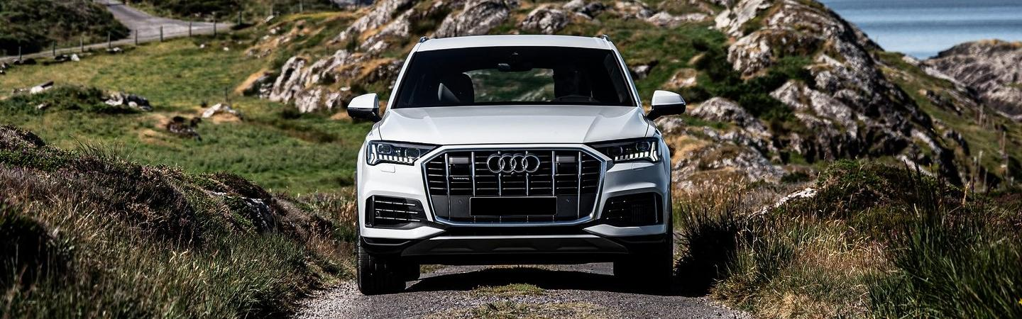 Front view of the 2019 Q7