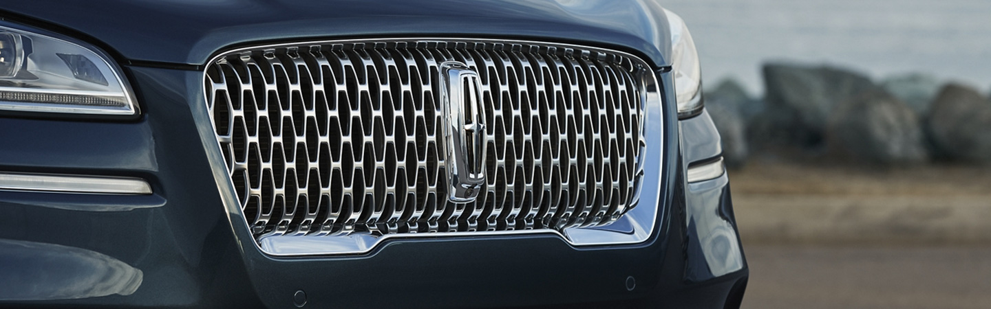 Front grille of the 2020 Lincoln Corsair