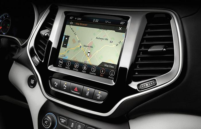 Picture of the interior of the 2020 Jeep Cherokee