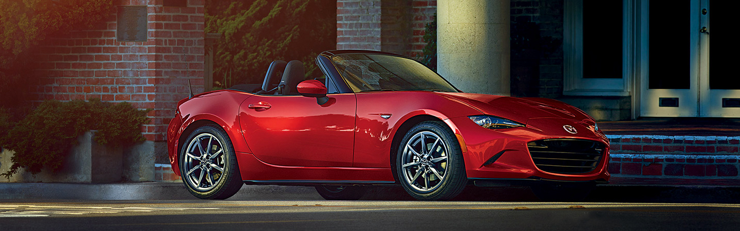 Side view of the 2019 Mazda Miata parked