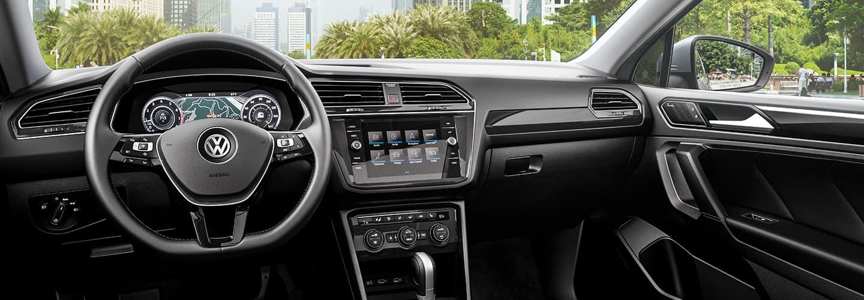 2019 Volkswagen Tiguan Interior - Dash, Steering Wheel, and Technology