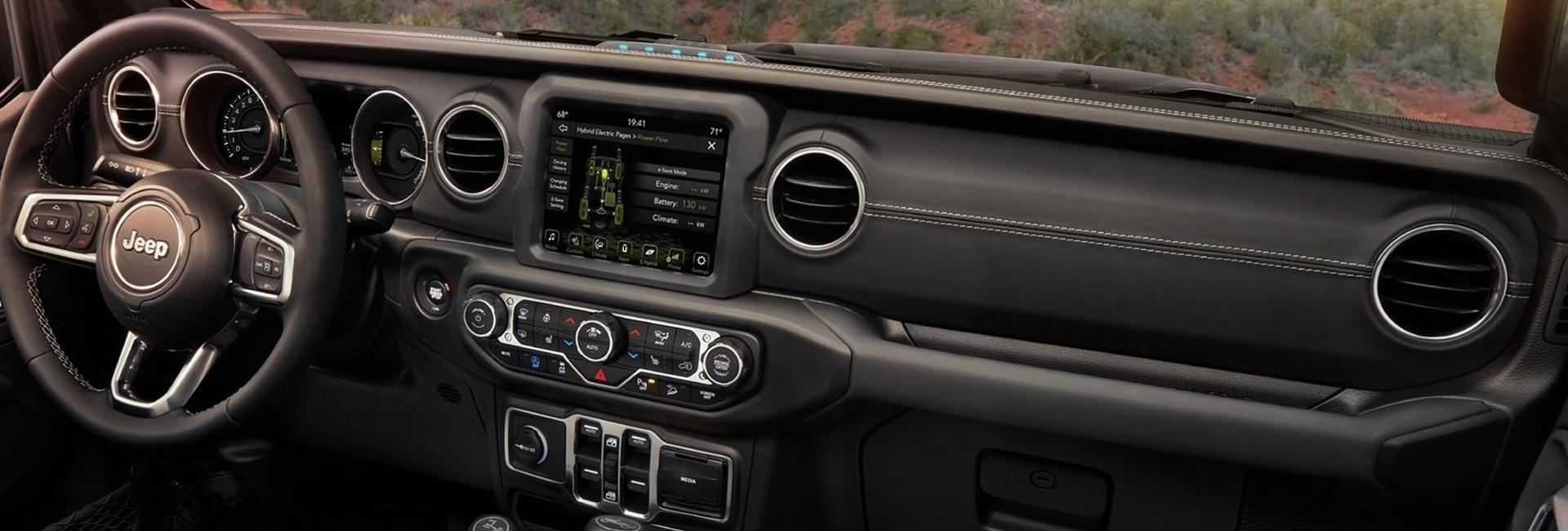 Full interior view of the 2021 Wrangler front dash