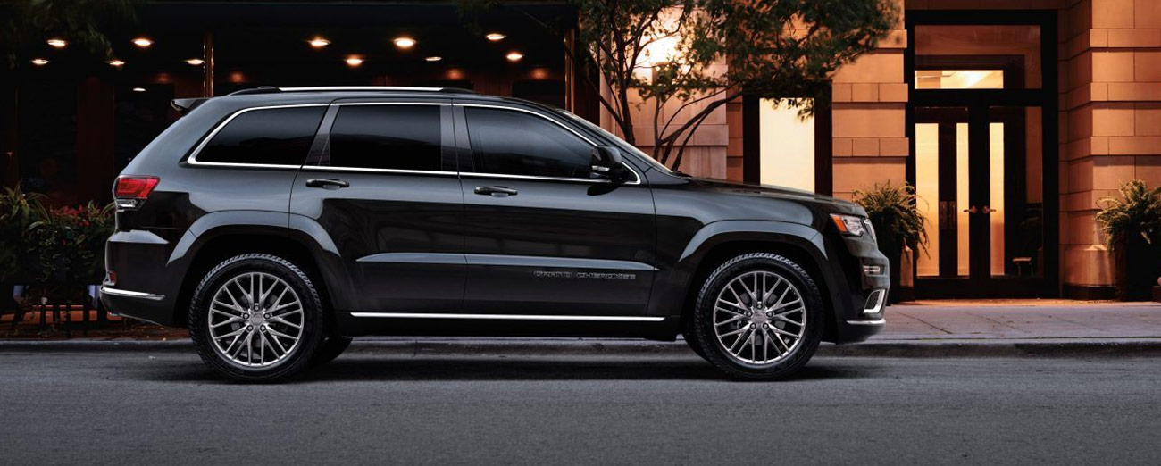 Jeep Grand Cherokee in the city