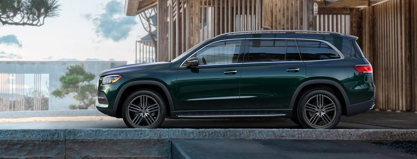 Side-profile of the 2020 Mercedes-Benz GLS