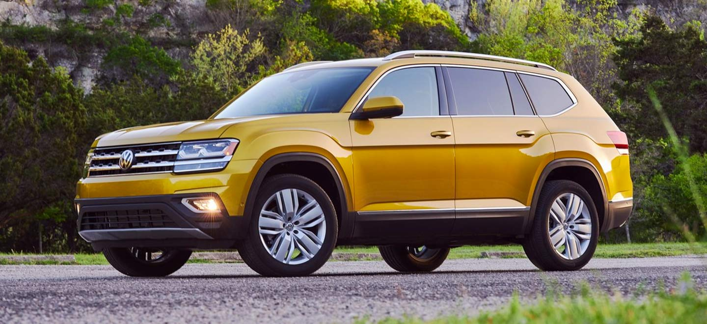 Side profile of a 2019 Volkswagen Atlas parked outside in Gainesville FL