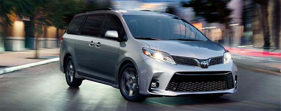 2019 Toyota Sienna - alternate side view