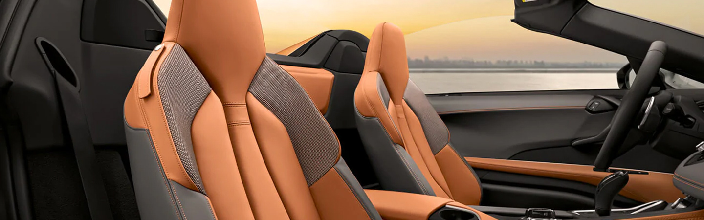 Interior seating of the 2019 BMW i8