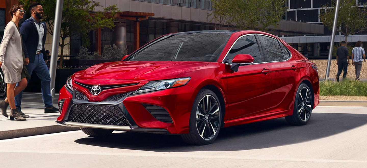 Toyota Camry Vs Honda Accord >> 2019 Toyota Camry Vs Honda Accord Rivertown Toyota
