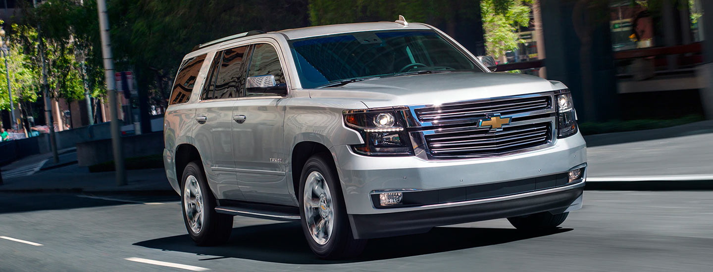 Chevy Tahoe Vs Gmc Yukon >> 2019 Chevy Tahoe Vs Gmc Yukon Chevy Dealership In