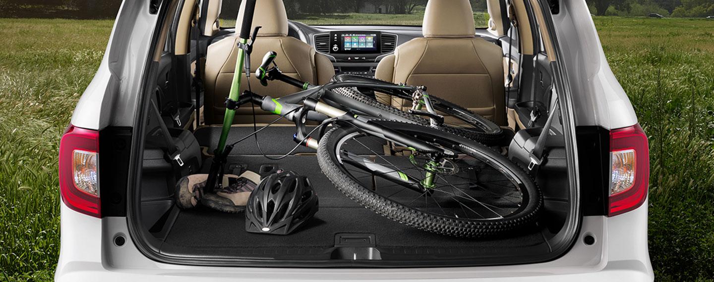 Honda Pilot LX trunk