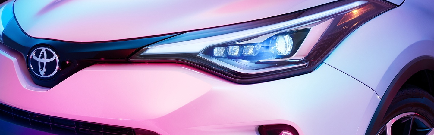 Front headlight of the 2020 Toyota C-HR