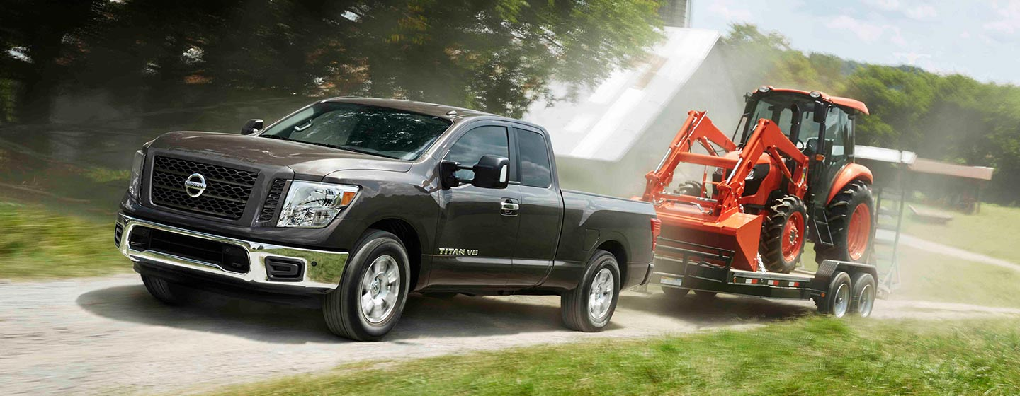 Exterior and Towing Capacity of the Nissan Titan at our Nissan dealer near Oklahoma City, OK.