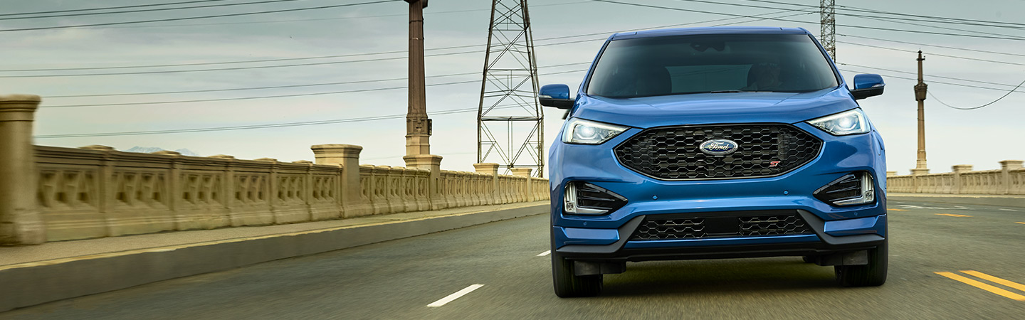 Front of the 2019 Ford Edge in motion