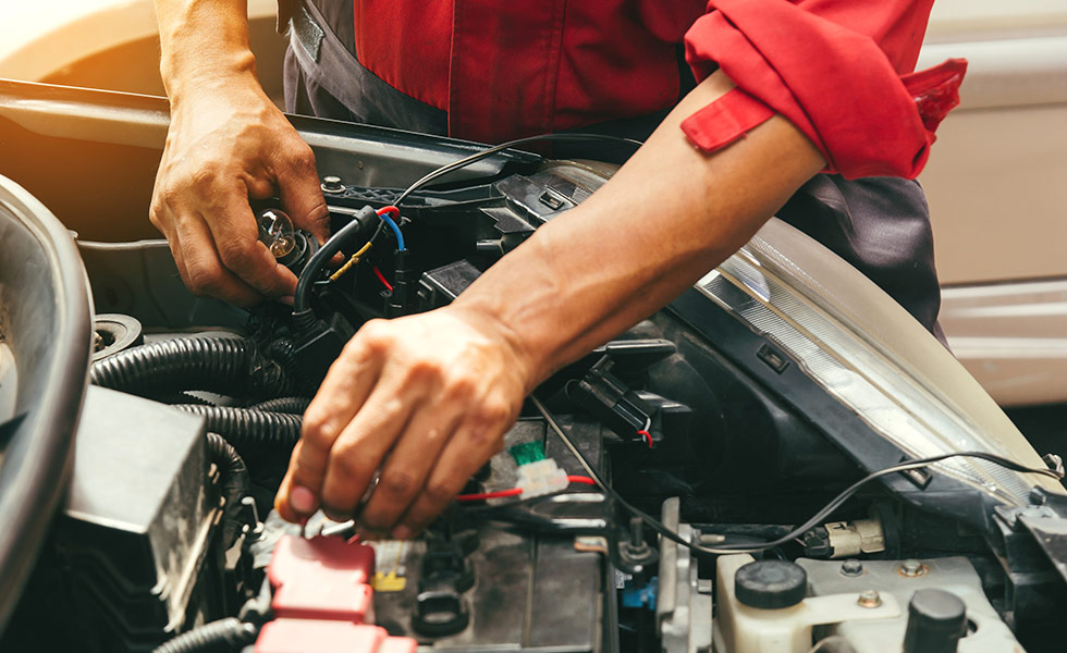 Chrysler Dodge Jeep RAM Battery Service and Replacement at your preferred Chrysler Dodge Jeep RAM Dealership in Naples, FL
