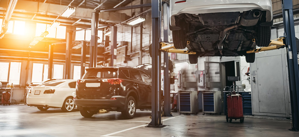 Get your Chrysler Dodge Jeep RAM Oil Change Service and Auto Repair at your local Chrysler Dodge Jeep RAM Dealer in Naples, FL