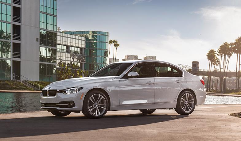 New 2018 BMW 330i Sedan