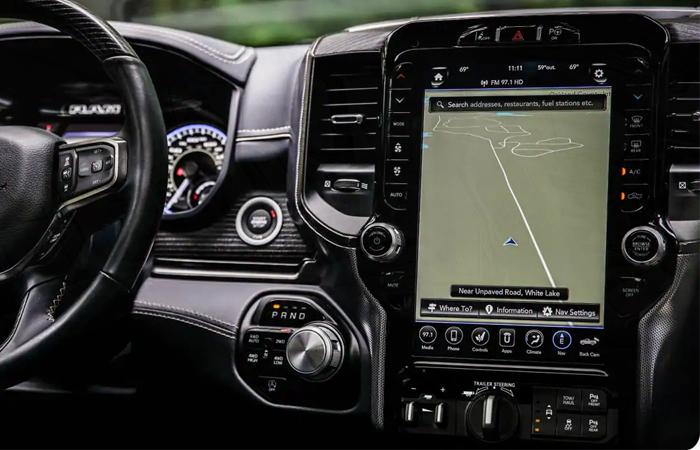 2021 RAM 1500 navigation display
