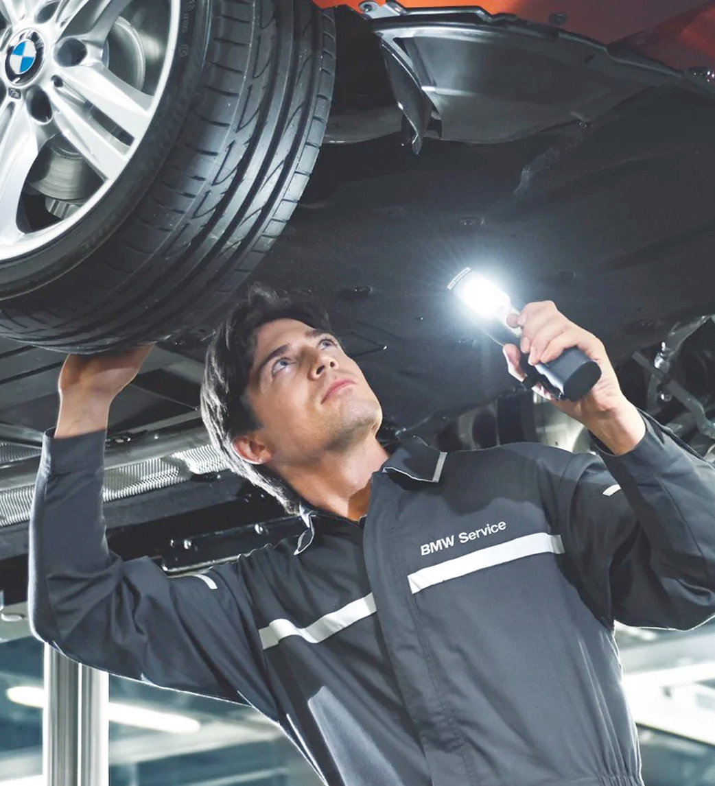 Experienced mechanics and technicians at our BMW Service Center.