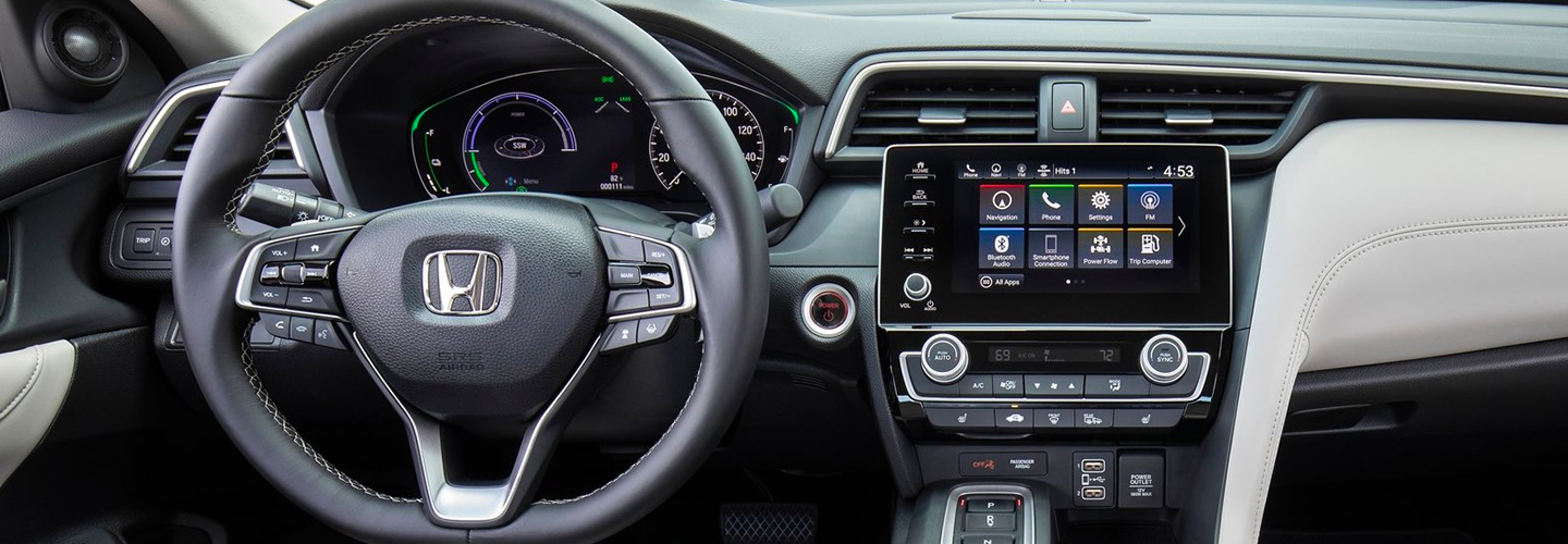 Steering wheel and entertainment center of the 2021 Honda Insight