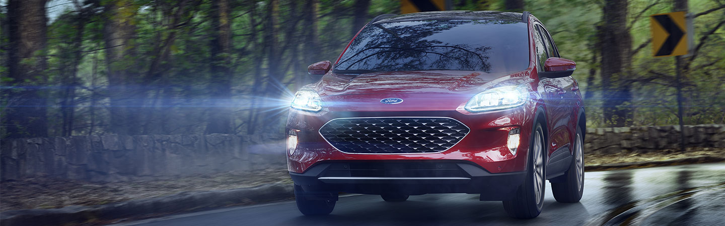 Front of the 2020 Ford Escape outside in the rain