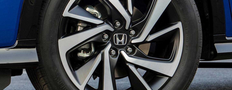 2019 Honda HR-V side view of wheel.