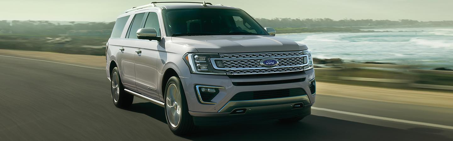 Front view of the 2020 Ford Expedition in motion