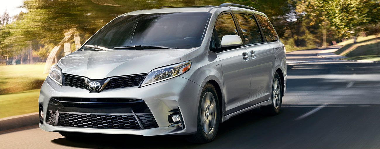 2019 Toyota Sienna front view driving